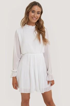NA-KD Pleated Elastic Waist Dress
