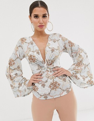 Koco & K soft touch plunge front batwing sleeve top in mint baroque