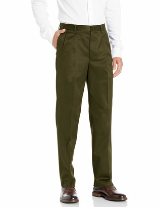 Buttoned Down Amazon Brand Men's Relaxed Fit Pleated Non-Iron Dress Chino Pant