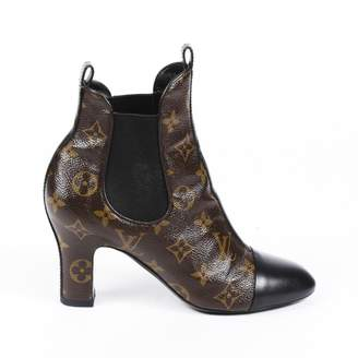 Louis Vuitton \N Brown Cloth Ankle boots