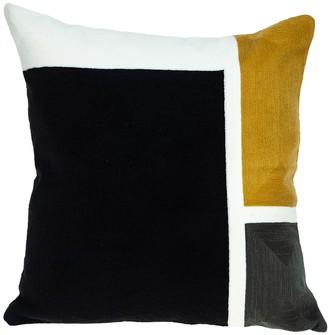 Parkland Collection Scalic Black Throw Pillow