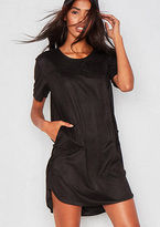 Missy Empire Jessi Black Faux Suede Pocket T Shirt Dress
