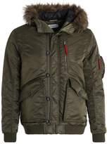 Pier 1 Imports Winter jacket oliv
