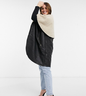 ELVI Plus faux-shearling vest in black