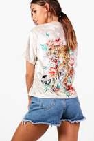 boohoo Petite Alicia Oversized Tiger Back Velvet T-shirt