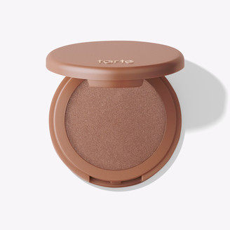 Tarte Amazonian clay 12-hour highlighter in daygleam