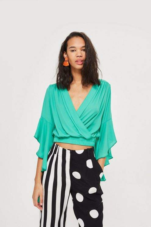 Love **Frill Sleeve V-Neck Crop Top