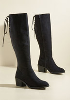 Stunning in Place Block Heel Boot in 7