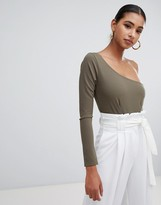 In The Style Sarah Ashcroft crepe one shoulder body