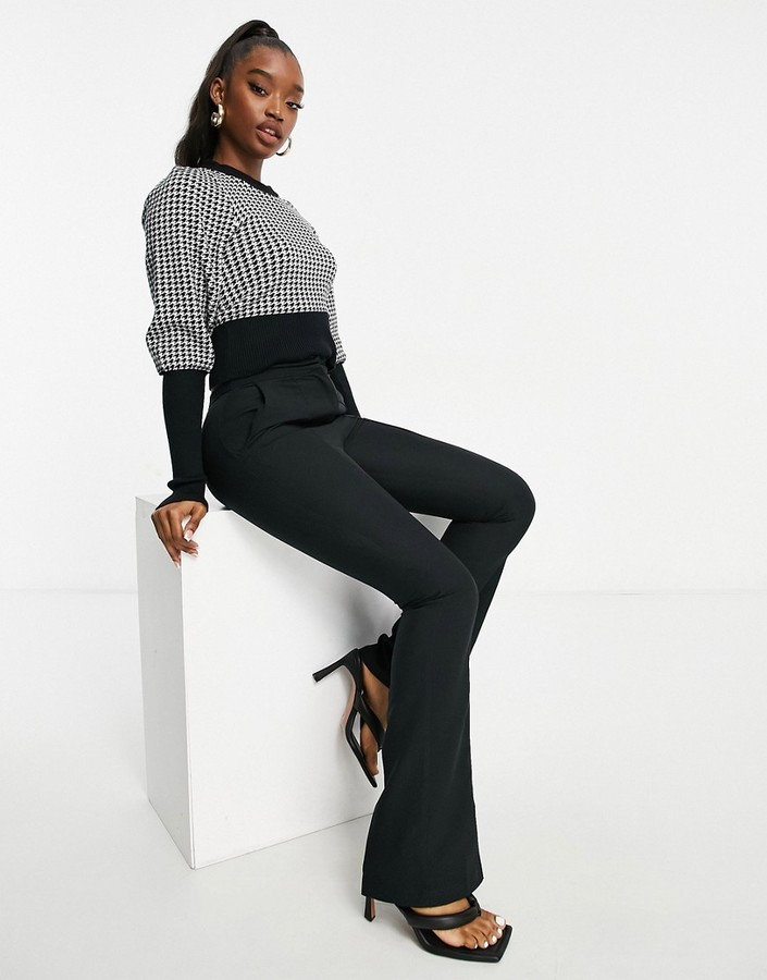 Thumbnail for your product : Qed London cropped sweater in houndstooth