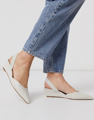 Who What Wear Marsella leather single wedge shoes in cream