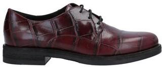 VIC Lace-up shoe