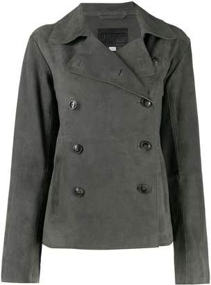 Closed double-breasted fitted jacket