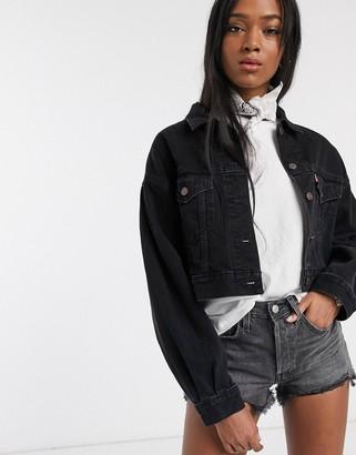 Levi's pleated sleeve denim jacket in black