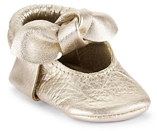 Freshly Picked Baby Girl's Platinum Knotted Bow Moccasins
