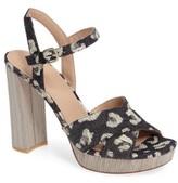 Pour La Victoire Women's Cross Strap Platform Sandal