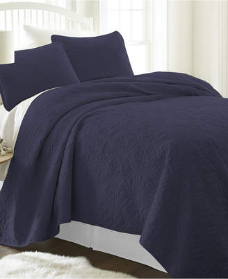 IENJOY HOME Home Collection Premium Ultra Soft Damask Pattern Quilted Coverlet Set, Twin Bedding