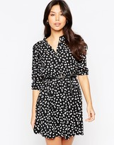 Yumi Belted Dress With 3/4 Sleeve In Daisy Floral Print