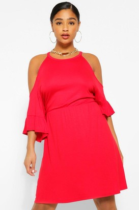 boohoo Plus Open Shoulder Ruffle Smock Dress