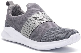 X-Ray Tracer Knit Sneaker