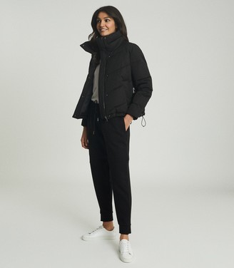 Reiss DAX SHORT PUFFER JACKET WITH SIDE ZIP Black