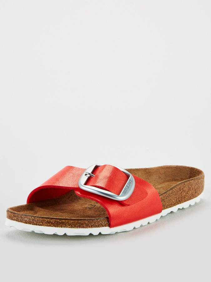 timeless design 7b7f3 2d012 Madrid GracefulBig Buckle Flat Sandals - Hibiscus