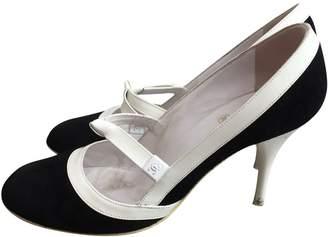 Chanel \N Black Suede Heels