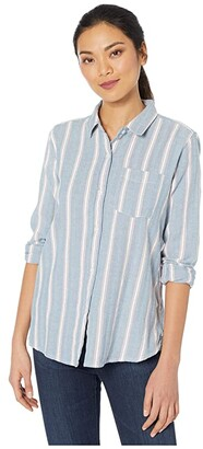True Grit Dylan by Denim Friendly Herringbone Chambray Stripe Button-Up Blouse (Blue) Women's Clothing