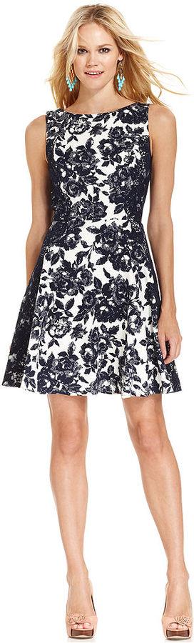 Jessica Simpson Sleeveless Floral-Print Dress