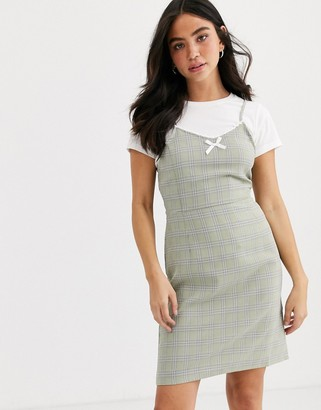 Daisy Street mini cami dress with frill and bow front in check-Green