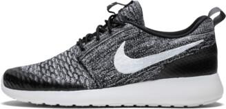 Nike Roshe One Flyknit Shoes - 9.5W
