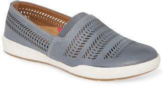 Comfortiva Loring Slip-On Sneaker