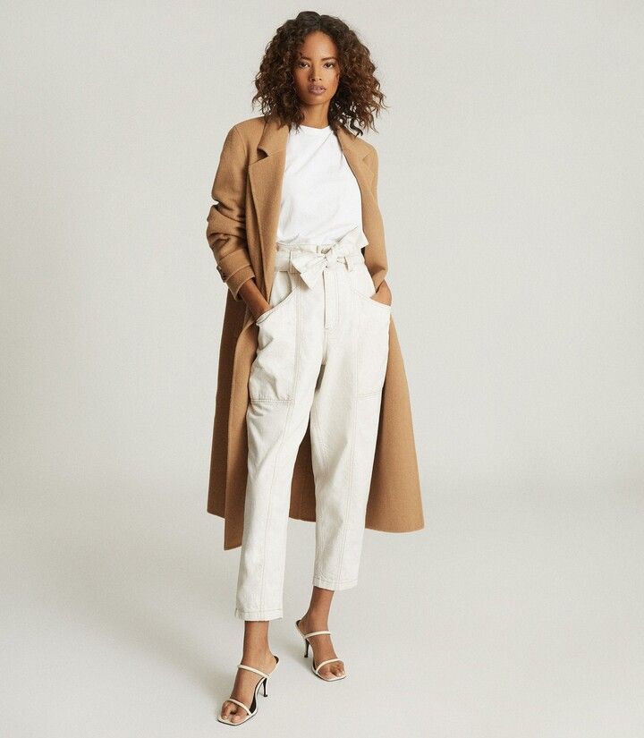 Reiss Chantelle - Mid Rise Tapered Jeans in Ecru