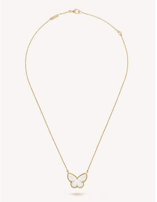 Van Cleef & Arpels Lucky Alhambra gold and mother-of-pearl pendant, Yellow gold