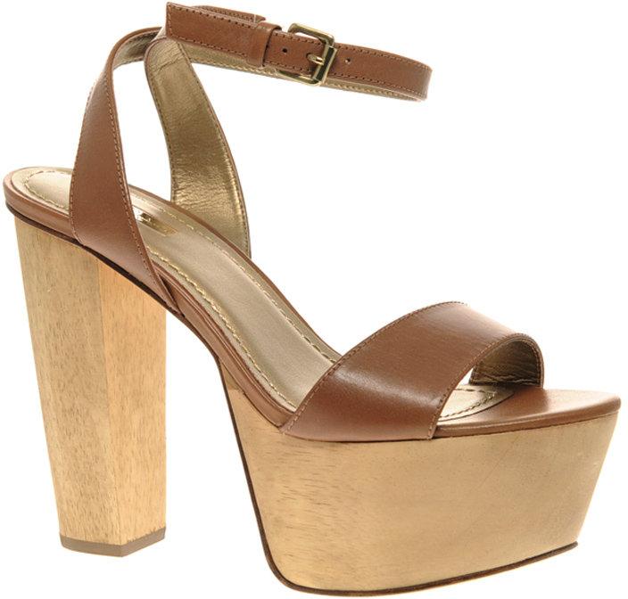 Report Signature Carle Ultra Platform Sandal