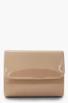 boohoo Mini Structured Patent Clutch Bag & Chain