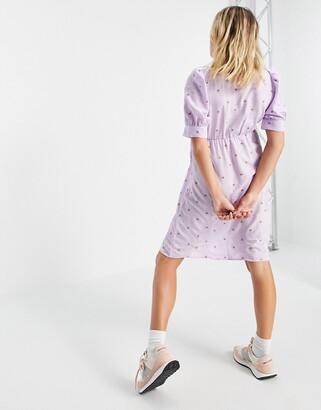 Mama Licious Mamalicious Maternity dress in lilac ditsy floral