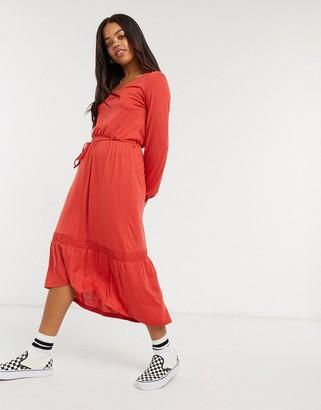 JDY midi dress with tie waist in coral