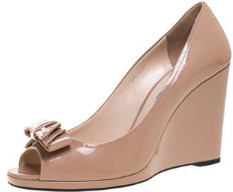 Prada Nude Beige Patent Leather Bow Peep Toe Wedge Pumps Size 40