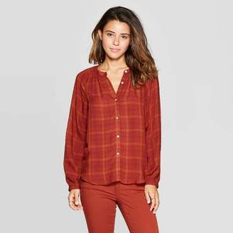 Universal Thread Women's Long Sleeve Crewneck Button Front Peasant Top Rust