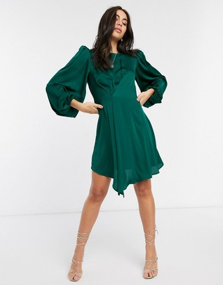 Liquorish mini dress with balloon sleeves in forest green