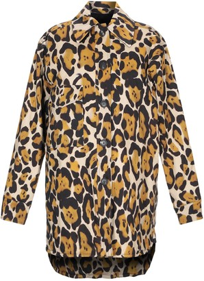 Tela Coats