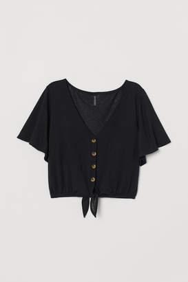 H&M Short, tie-detail top