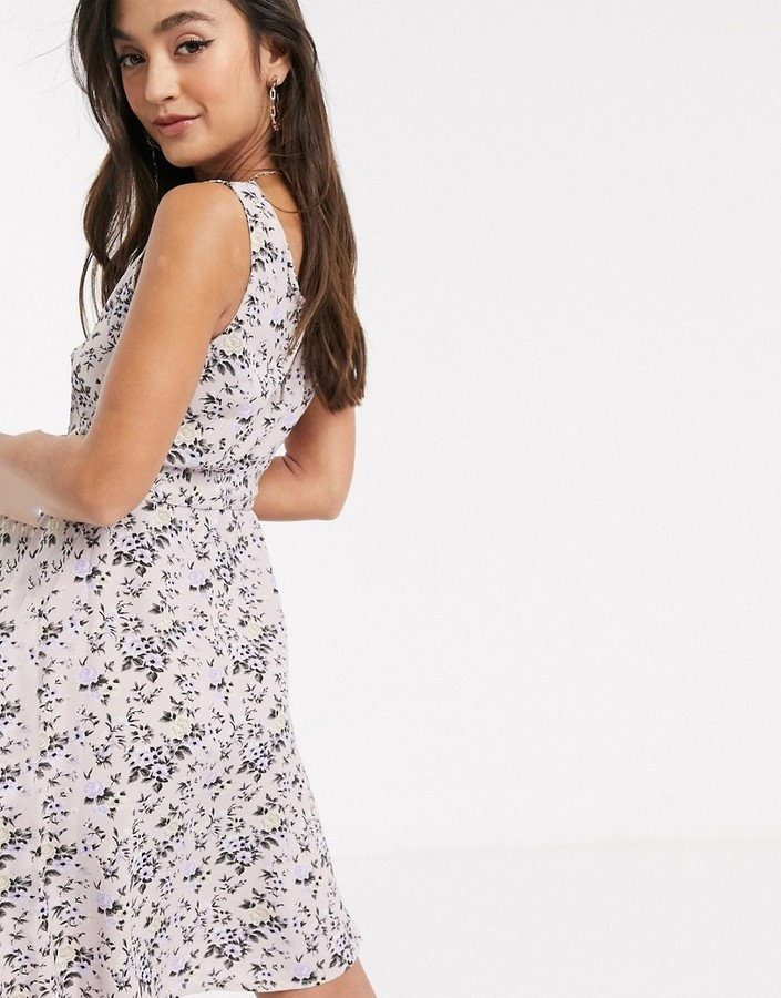 Thumbnail for your product : Qed London tie waist dress in floral print