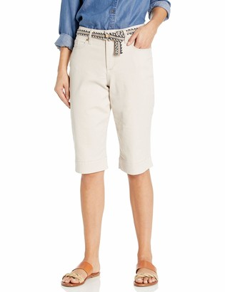 Bandolino Women's Lisbeth Curvy Skinny Belted Bermuda Short