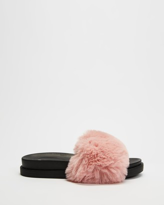 Dazie - Women's Pink Flat Sandals - Jada Fluffy Slides - Size 5 at The Iconic