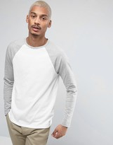Asos Long Sleeve T-Shirt With Contrast Raglan Sleeves In White/Gray Marl