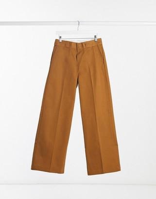 Dickies Winnsboro wide leg pant in brown
