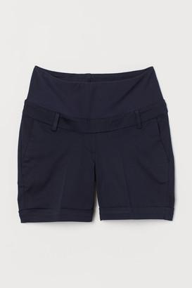 H&M MAMA Tailored shorts