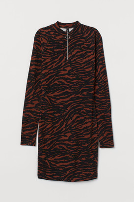 H&M Stand-up Collar Jersey Dress